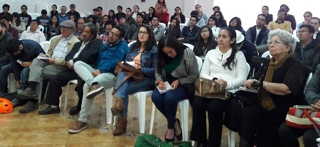 Desarrollo y alternativas a los extractivismos en Ecuador